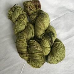 4ply hand dyed Australian merino/nylon sock 390m 100g 'green tomato pickles'