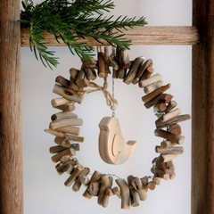 Driftwood Wreath with bead and sweet bird detail...