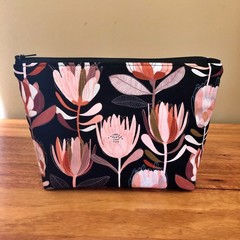 Essential Oil Pouch - Black Protea