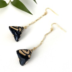 Origami Pyramid (Sankaku sui)  Drop Earrings - Black