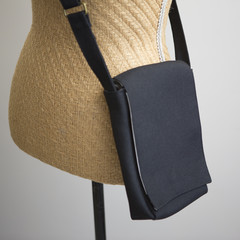 the Slim Satchel - black