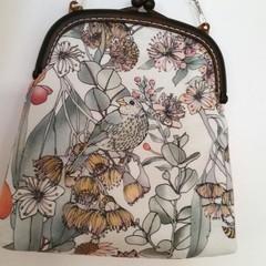 Finch Handbag