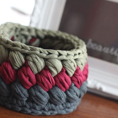 Crochet basket - tri-colour - two variations