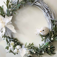 CHRISTMAS WREATH (48cms) White Poinsettia Christmas Wreath - Artificial Flowers