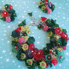 Christmas Bracelet & Earrings Set