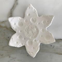 Snowflake Christmas Dish (M)