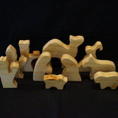 Natural 10 piece wooden nativity set