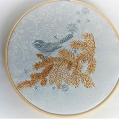 Christmas robin embroidery hoop art, wall hanging, gold and silver on white,