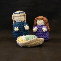 3 piece crochet nativity set 2
