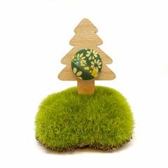 Kimono Christmas Tree Brooch