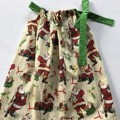 An amazing Christmas dress for a 4 to 5 year old