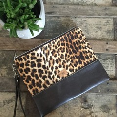 Flat Clutch - Leopard Print/Dk Brown