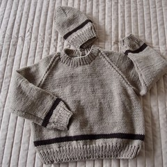 SIZE 3 -4 yrs: Hand knitted jumper  with matching beanie: washable, warm,