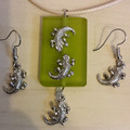 PENDANT & EARRINGS SET With Leather Look Necklace