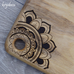 Wood Burnt Mandala Camphor Laurel Cutting Board