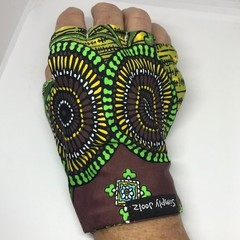 Glove: sunglove for sunprotection for golf or driving, fingerless, free post