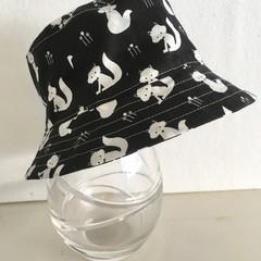 Boys summer hat in b&w fox fabric
