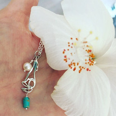 Coyote Mexican Turquoise Freshwater Pearl Charm Necklace