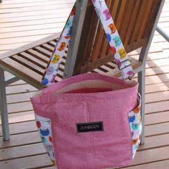 Kitty in Pink Shoulder bag