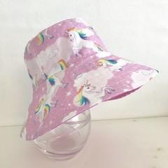 Girls summer hat in sparkling unicorn fabric