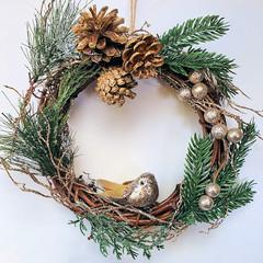 Christmas Wreath (25 cms)- Twisted Vine with Glittery Gold Bird