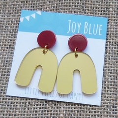 Red on gold mirror arch earrings