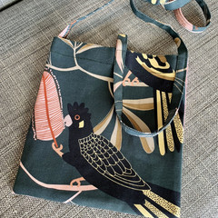Australian Black Cockatoo: Cross-Body Bag, Hipster Bag