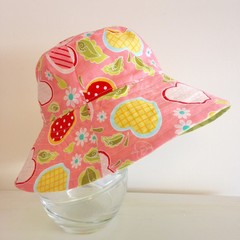 Girls wide brim summer hat in apple fabric