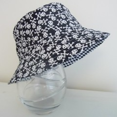 Boys summer hat in pirate fabric