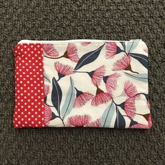 Gorgeous Gum Blossoms purse