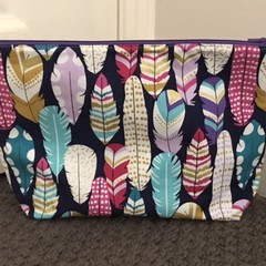 Fabulous feathers toiletries bag