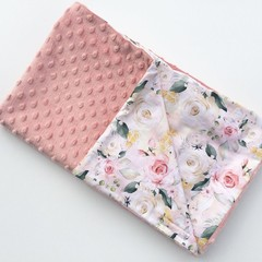 Floral dusty pink blanket