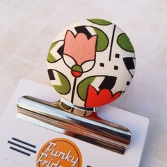Retro Tulip in Orange Magnetic Bulldog Clip