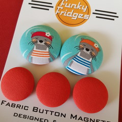 Swimming Otters Flat Magnet Set