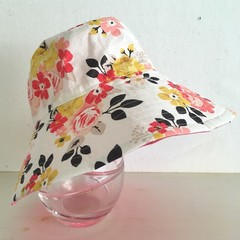 Girls wide brim summer hat in floral fabric