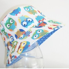 Summer hat in owls fabric