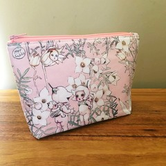 Pouch - Flannel Flowers Pink