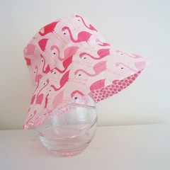 Girls summer hat in flamingo fabric