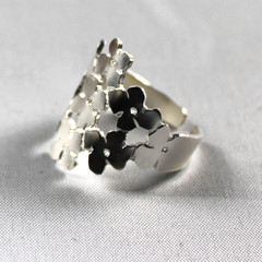 Daisy Chain Ring