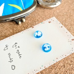 Blue Sky x White Clouds Stud Earrings (10mm hemisphere) - Handmade Kawaii Heaven