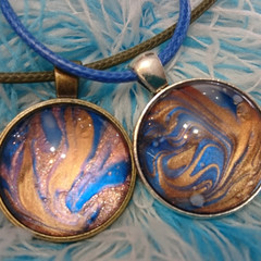 MARBLED ROUND PENDANTS Blue & Gold - nail polish marbling under a glass cabachon