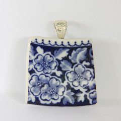 Four Blue Flowers Pendant