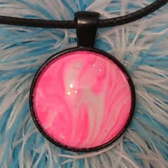 MARBLED ROUND PENDANT - Pink and White Marbling Under a Glass Cabachon