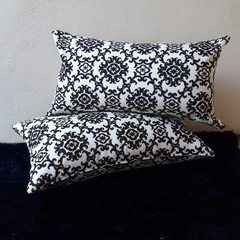 ELEGANT BLACK & CREAM LUMBAR   CUSHION (Includes Insert)  OUTDOOR FABRIC