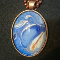 MARBLED OVAL PENDANT WITH MATCHING BALL CHAIN