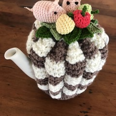 As Happy as a Pig on a Pot, tea cosy
