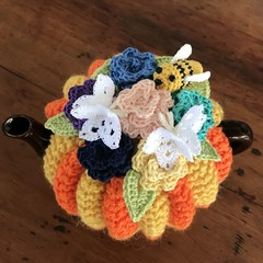 Bright and Bees'ie tea cosy