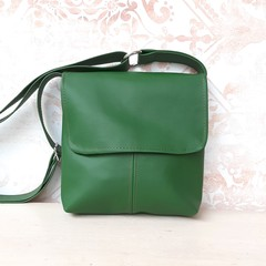 PU vegan Leather crossbody handbag in Kale Green