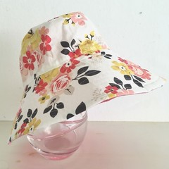 Girls summer hat in pretty floral fabric