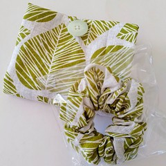 foldable eco bag + scrunchie set / Natural - LEAVES / gift for her / gift